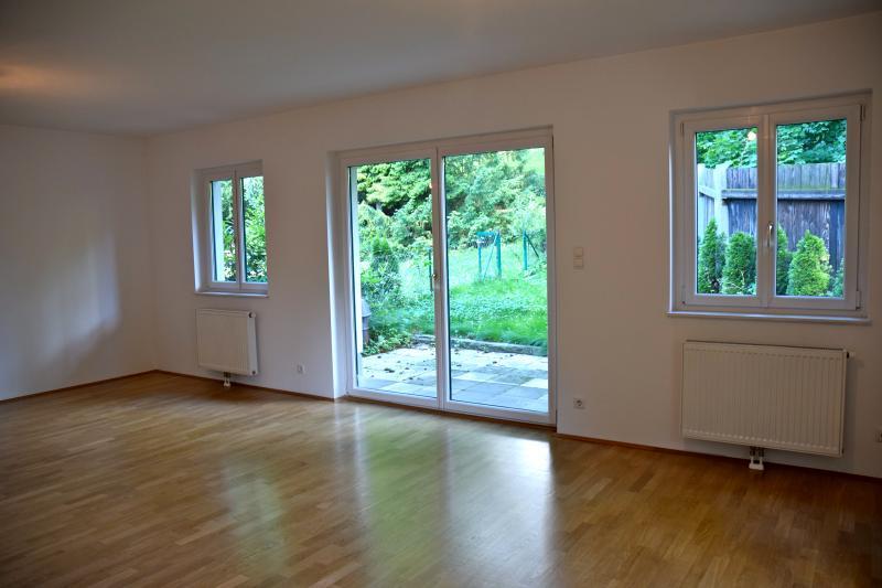 *Wunderschöne Familienwohnung mit Garten und Terrassen*