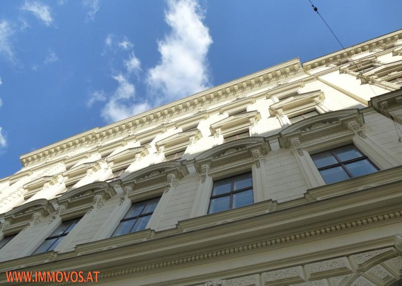 Gegliederte Fassade