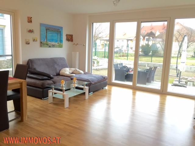 Wohnzimmer 3.jpg
