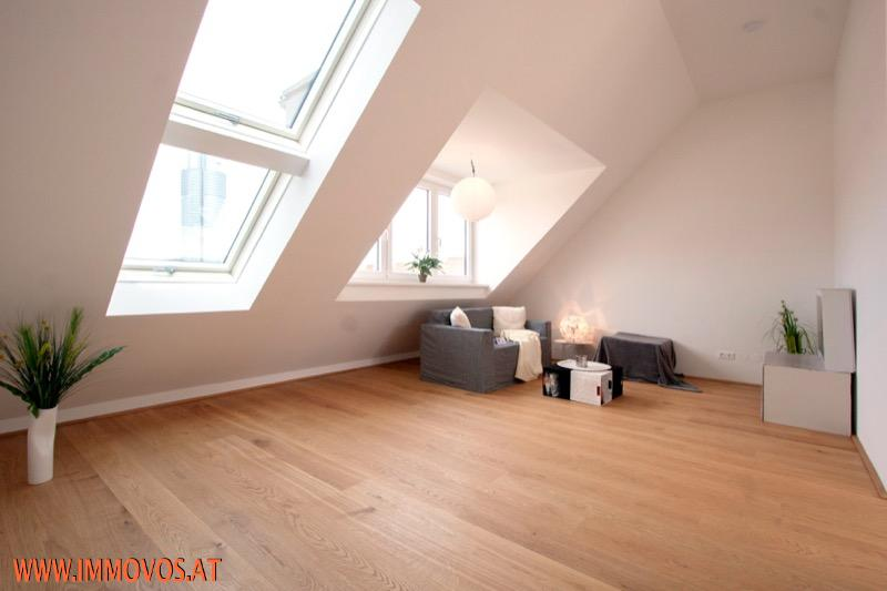 1 Wohnzimmer