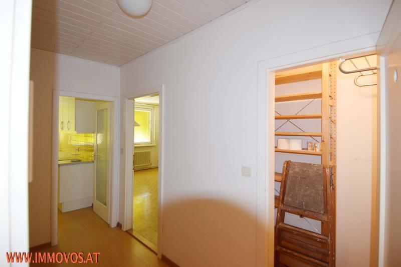 Vorzimmer und Abstellraum.JPG