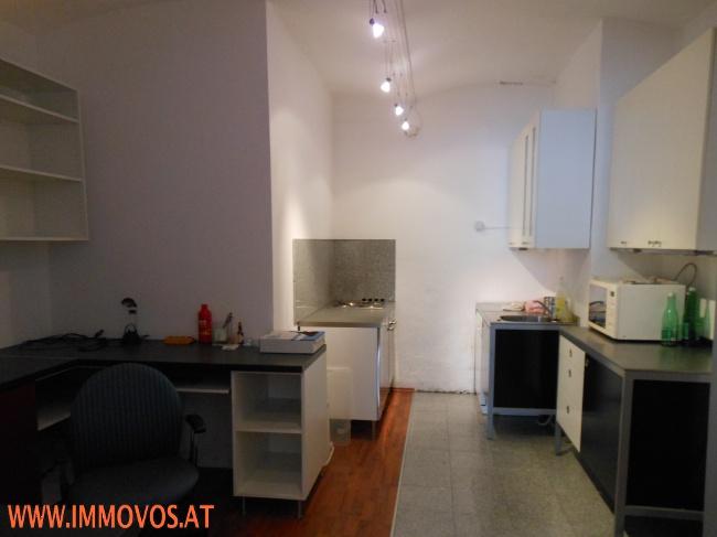 B. Küche, Büro
