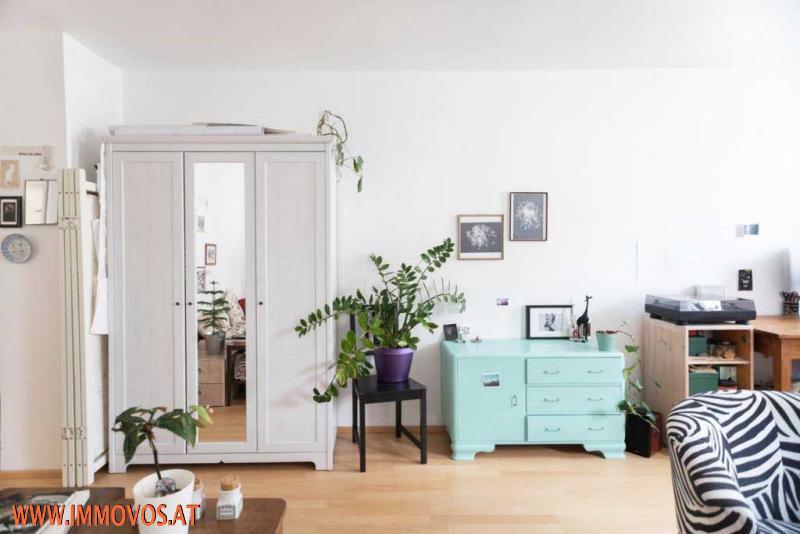 C. Wohnzimmer: Ansicht 2
