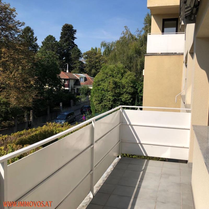 Balkon 1 Stock.jpeg