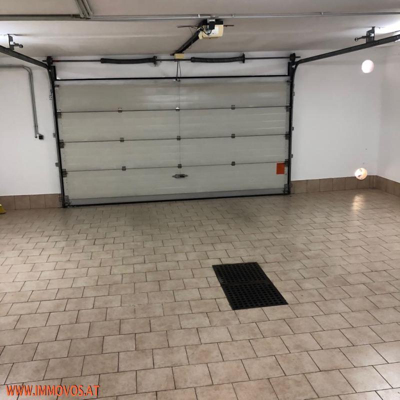 Garage f. 2 Autos.jpeg