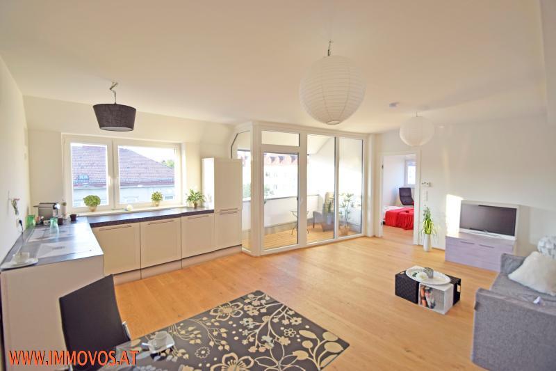 2 Wohnzimmer 3.jpg