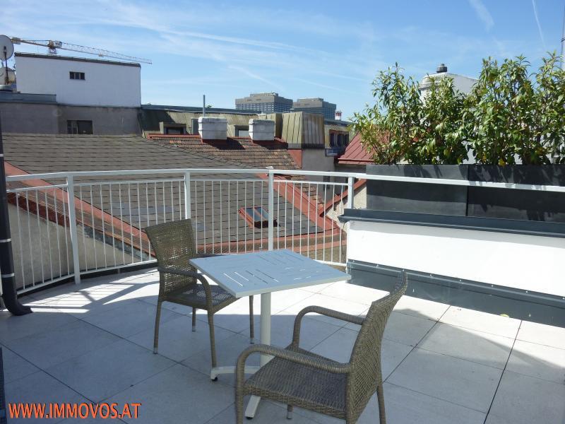 Terrasse Wohnebene.jpg