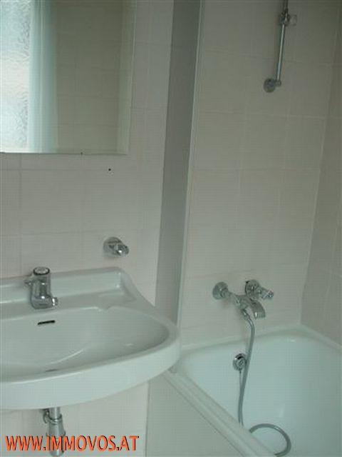 E. Badezimmer