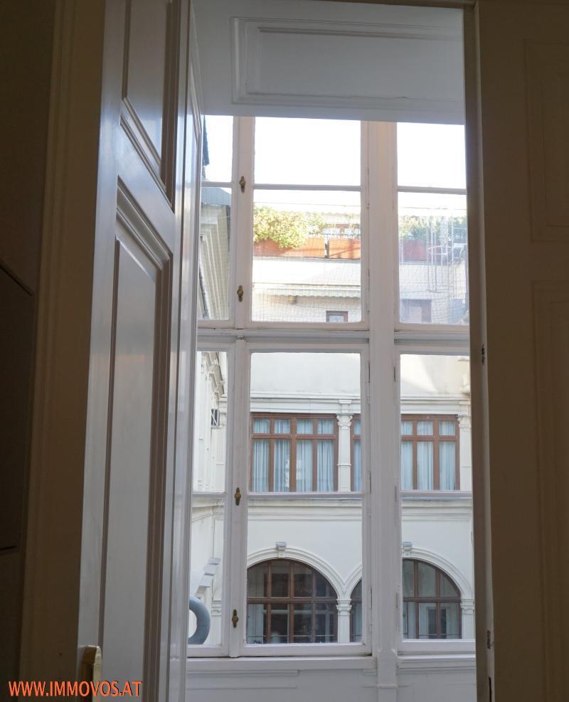 typical Viennese classicist details
