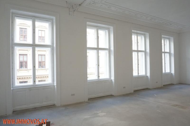 Fensterfront des Wohnbereiches