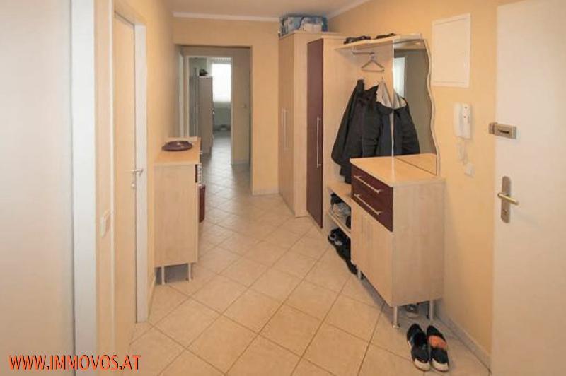 8 Vorzimmer2.jpg