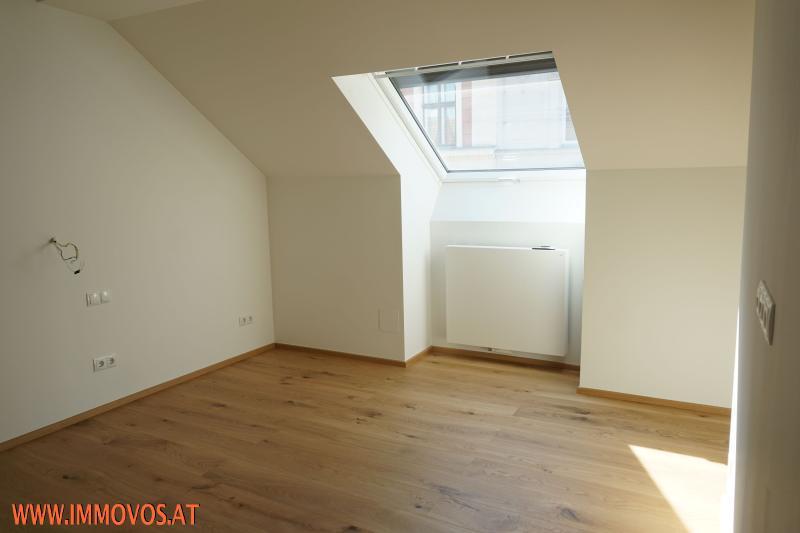 Schlafzimmer mit Gaupenhöhe 2 m