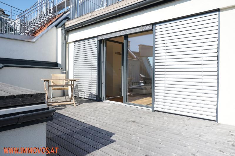 360 Grad Rundgang: Fantastisches Panorama von Penthouse-Terrasse - 4 Zimmer Erstbezug mit Dachterrassen-Traumblick + Stellplatz /  / 1090Wien 9.,Alsergrund / Bild 6