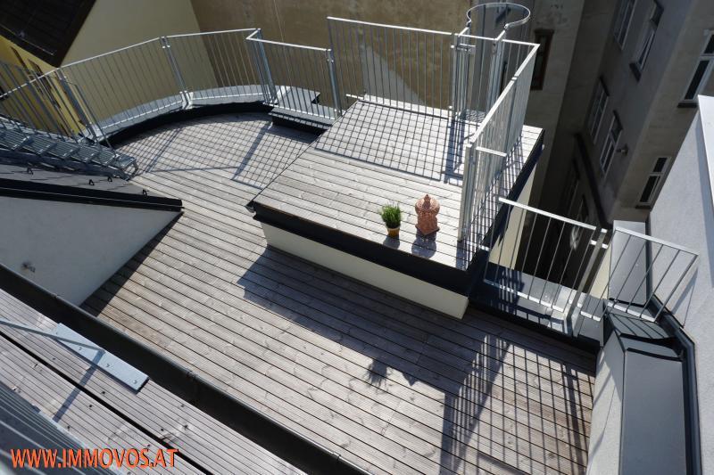 360 Grad Rundgang: Fantastisches Panorama von Penthouse-Terrasse - 4 Zimmer Erstbezug mit Dachterrassen-Traumblick + Stellplatz /  / 1090Wien 9.,Alsergrund / Bild 7