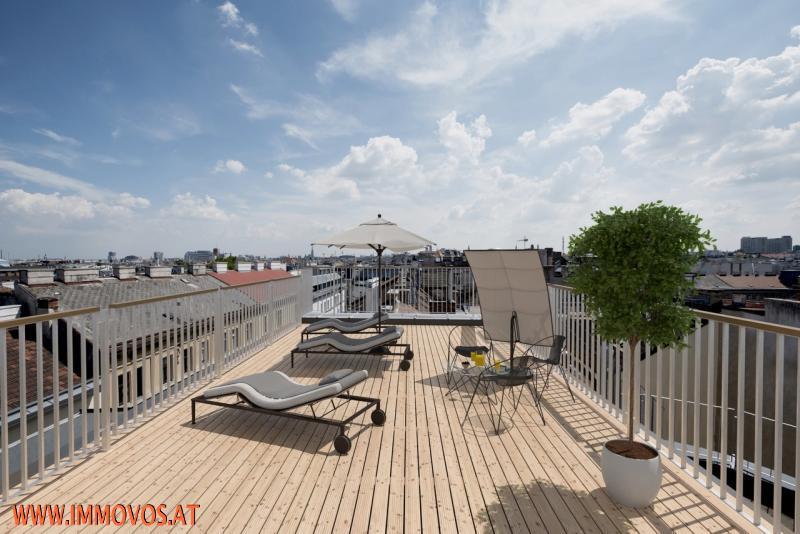 360 Grad Rundgang: Fantastisches Panorama von Penthouse-Terrasse - 4 Zimmer Erstbezug mit Dachterrassen-Traumblick + Stellplatz /  / 1090Wien 9.,Alsergrund / Bild 8