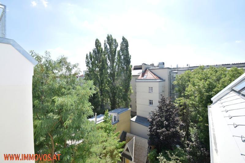 DG Blick in den Innenhof.jpg