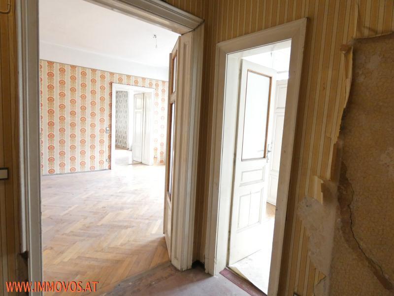 Vorzimmer mit Zugang zu Zimmer 1 und Kabinett.JPG
