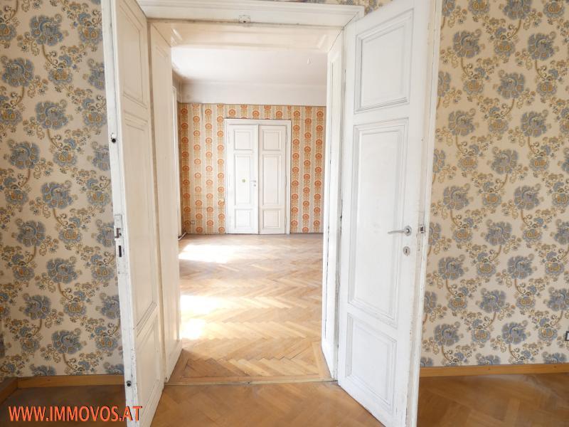 Blick vom Eckzimmer zu Zimmer 1 und Kabinett.JPG