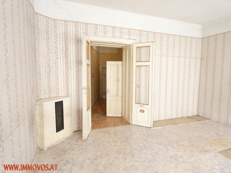 Schlafzimmer mit Kamin.JPG