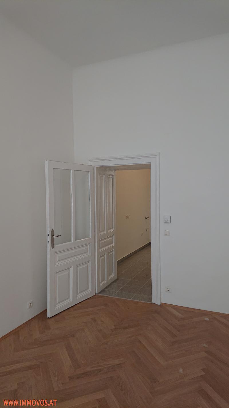 Unbefristete ++2 Zimmer Wohnung ++ 4. Lift-Stock