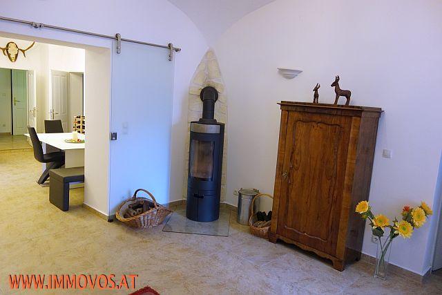 WZ mit Einblick in die Küche_2.jpg