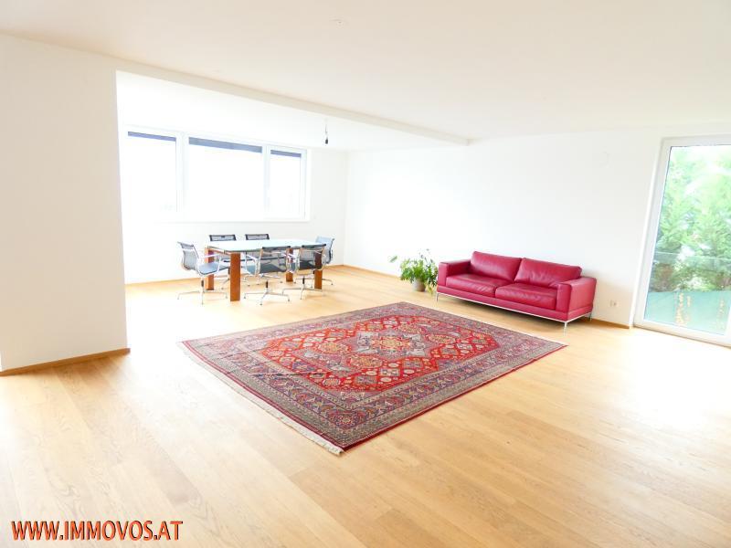 Ruhige Aussichtslage in Klosterneuburg: Für jeden Etwas - für alle ein Zuhause! 5 Schlafzimmer in modernem EFH mit Fernblick, Garten und Stellplatz - Erstbezug