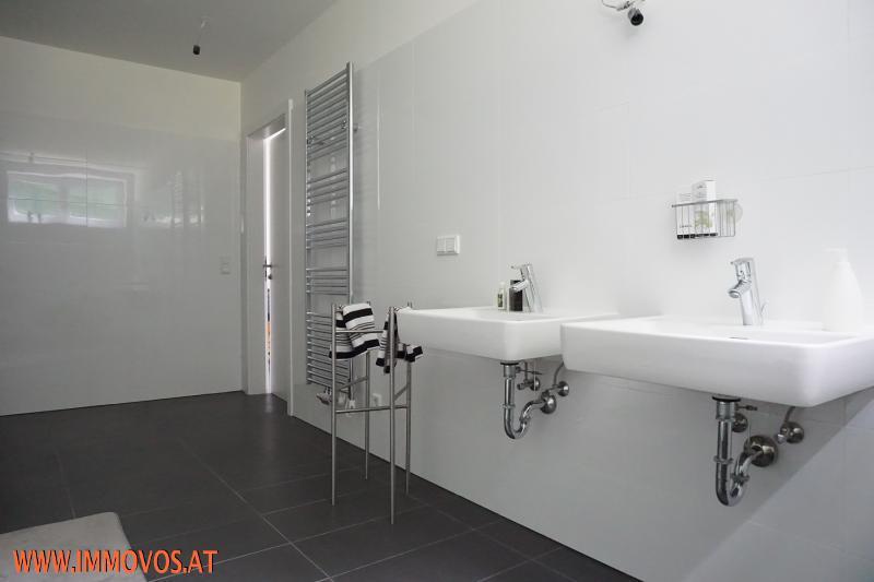 Masterbedroom-Bad Etage 1