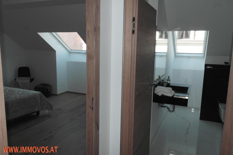 privater Vorraum Schlafzimmer - Bad.JPG