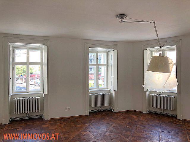 Wohnzimmer_Ansicht 3.jpg