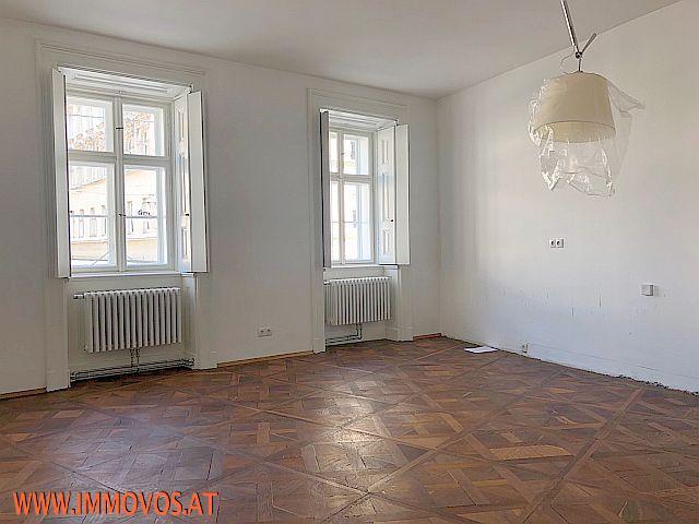 Wohnzimmer_Ansicht 2.jpg