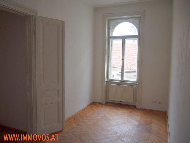 Ausstattung Böden, Türen, Fenster.jpg