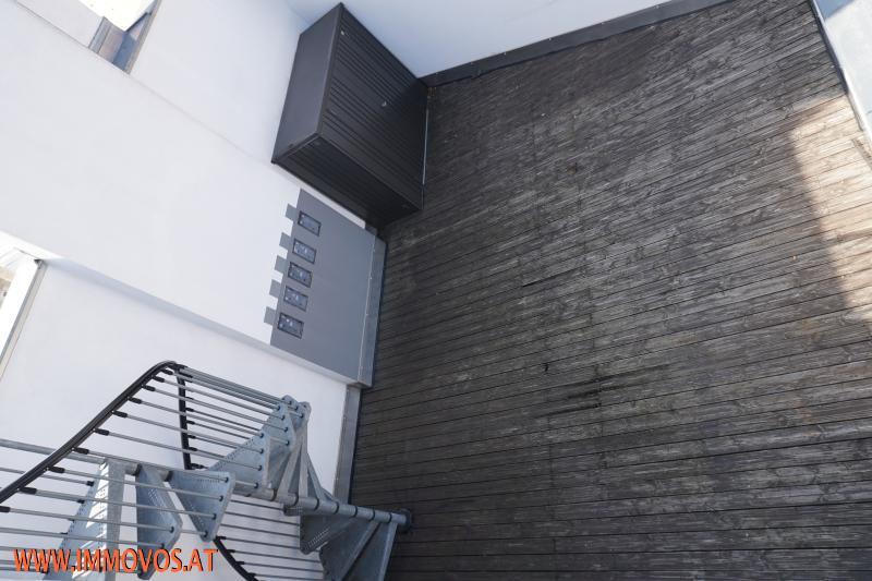 Bild 14 Blick auf die Terrasse DG 1.JPG