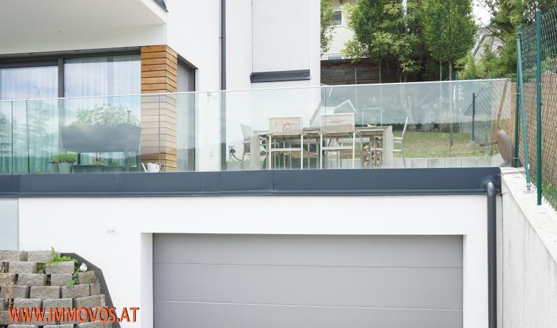 Terrasse direkt neben dem Wohnbereich