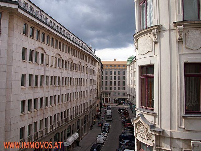 TUCHLAUBEN-LANDSKRONGASSE: PERFEKTE STADTWOHNUNG IN HISTORISCHEM WOHNHAUS /  / 1010Wien 1.,Innere Stadt / Bild 0