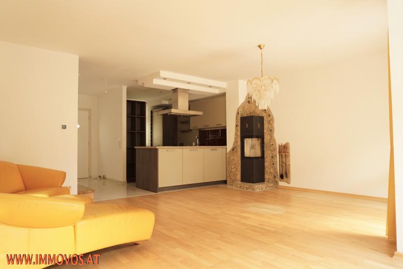 Wohnbereich mit Couch-Ecke