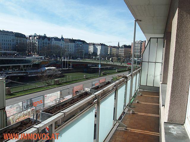 Balkon_Aussicht.jpg