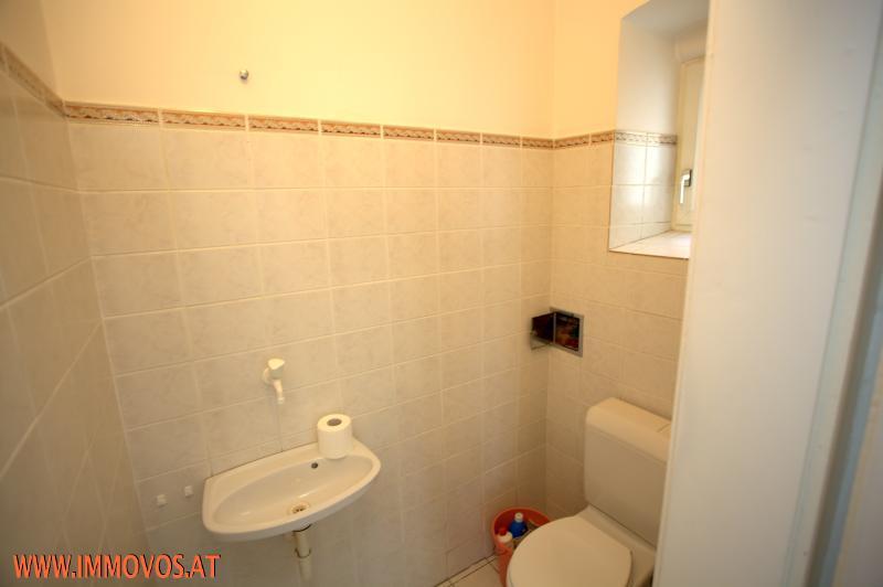 Toilettenraum.jpg