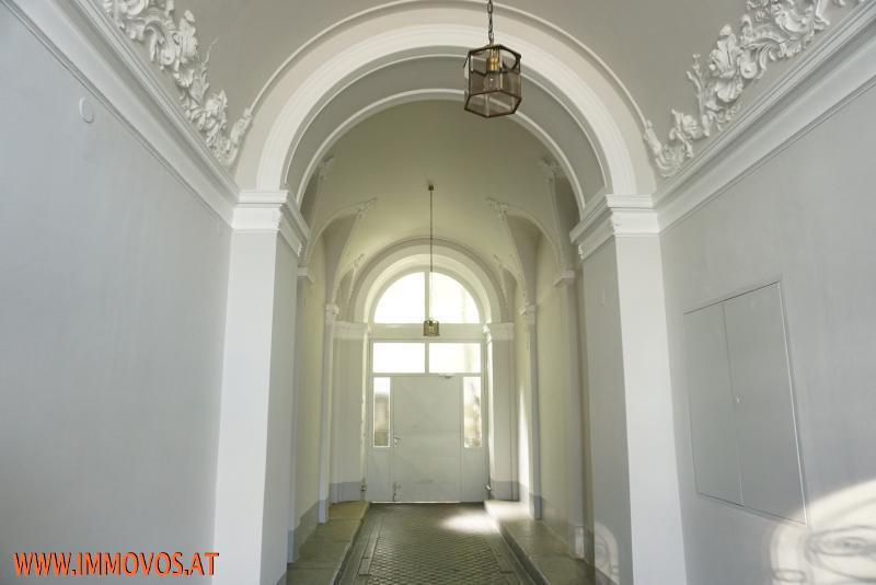 Eingang mit Blickrichtung zum Stiegenhaus