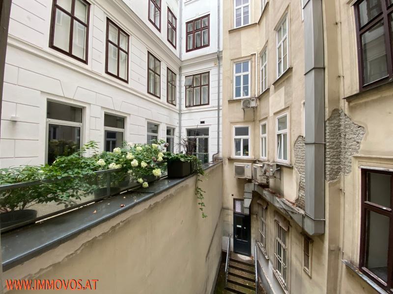 12 Innenhof.jpeg