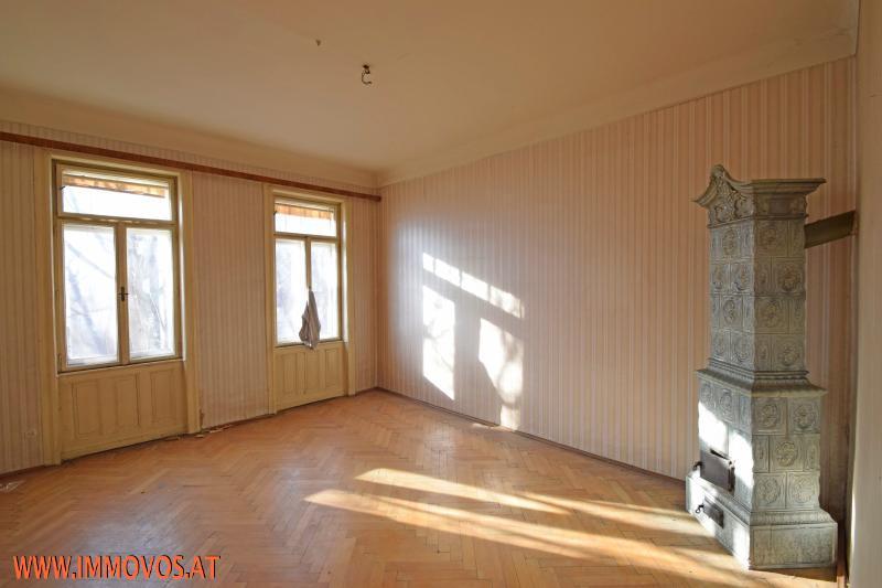 Zimmer mit Ofen.jpg