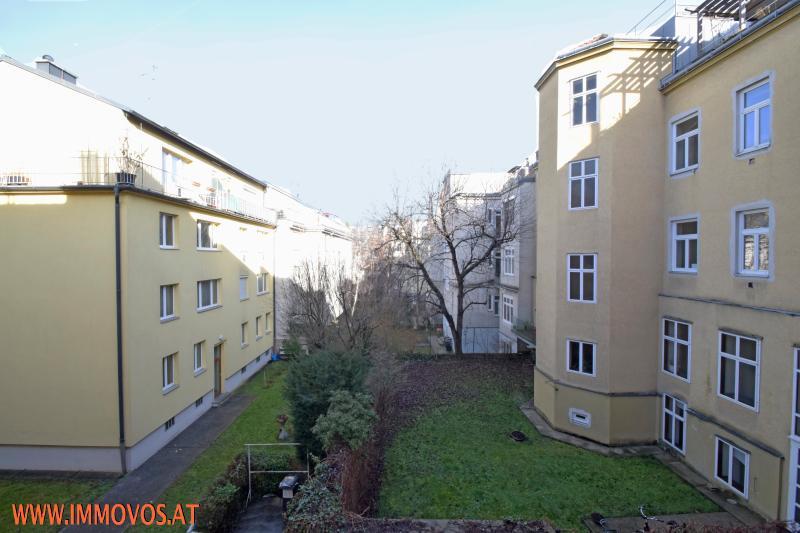 Blick in den Innenhof.jpg