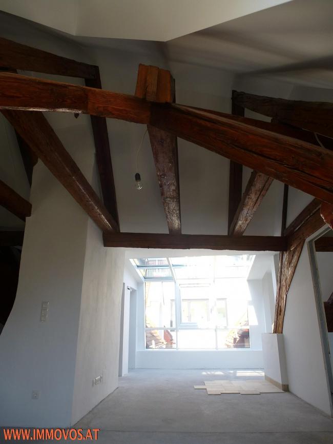 Denkmalgeschützter Dachstuhl - Wohnraum/Küche