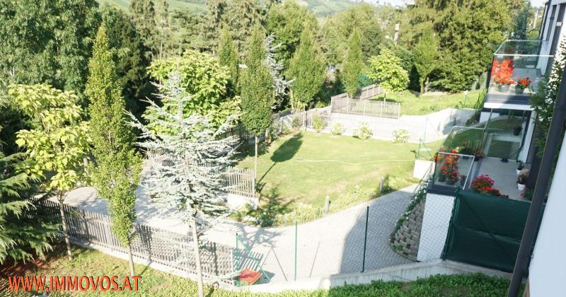A place near heaven: Enjoy your private pool and your modern estate with a stunning view at a calm green area in Neustift /  / 1190Wien 19.,Döbling / Bild 14